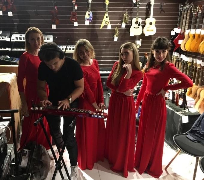 Концерт квартета и Евгения Хмары в магазине InJazz
