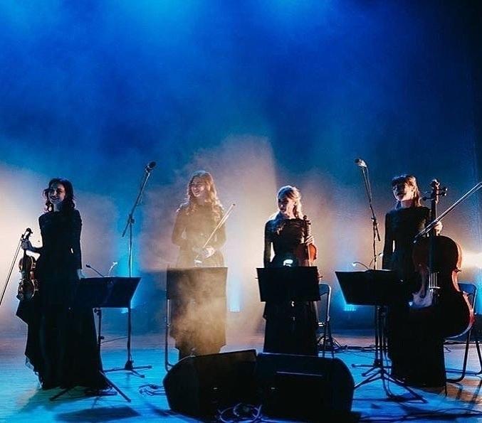 Концерт Vivienne Mort & Black Tie